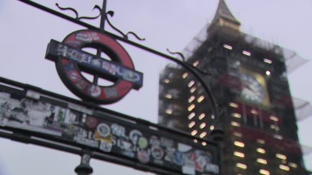 GBR: London New Years Eve Big Ben preparations