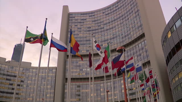 vidéos et rushes de exterior shots of the headquarters of the comprehensive nuclear test ban treaty organisation on october 30, 2017 in vienna, austria. - arme nucléaire