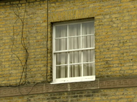 exterior shots of the house belonging to his partner where david laws rented rooms in breach of parliamentary rules - british liberal democratic party stock videos & royalty-free footage