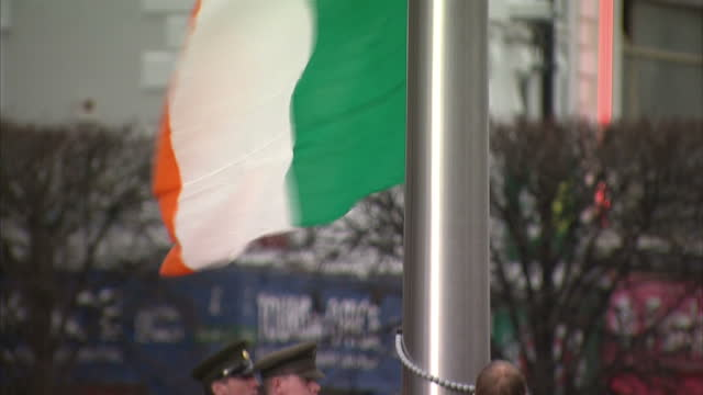 exterior shots of the irish flag being raised outside the general post office which served as the headquarters for the leaders of the 1916 easter... - 1916 stock videos & royalty-free footage