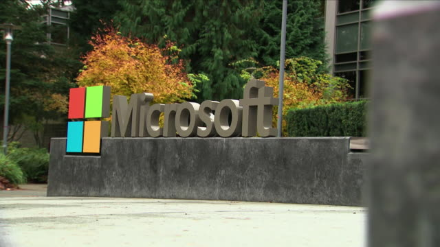 exterior shots of the microsoft sign at the microsoft hq in seattle on 8th november 2018 i seattle united states - 本部点の映像素材/bロール