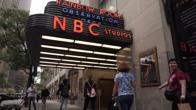 exterior shots of the nbc studios on 30 rockefeller plaza on 21st september 2018 in new york united states - rockefeller center video stock e b–roll