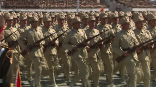 exterior shots of the north korean 70th anniversary parade to mark 70 years since the nation's foundin on september 09 2018 in pyongyang north korea - nordkorea bildbanksvideor och videomaterial från bakom kulisserna