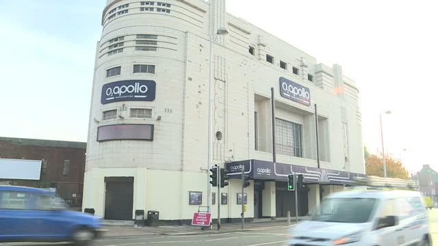exterior shots of the o2 apollo venue on november 1 2016 in manchester england - ジョニー マー点の映像素材/bロール