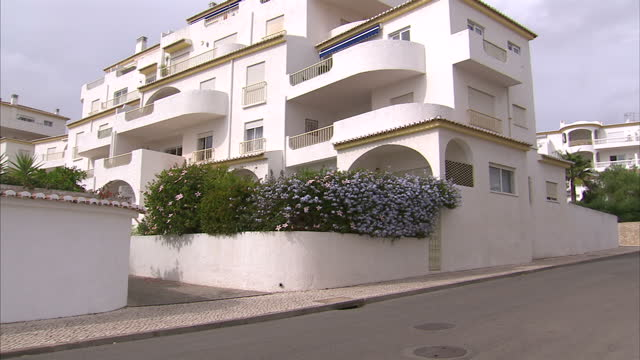 exterior shots of the ocean club apartments in praia da luz including the one where madeleine mccann disappeared from on 26 october 2016 in praia da... - madeleine mccann stock videos & royalty-free footage