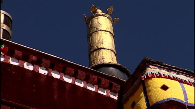 exterior shots of the potala palace in lhasa the onetime residence of the dalai lama on june 20 2009 in lhasa china - traditionally tibetan stock videos & royalty-free footage