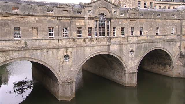 exterior shots of the pulteney bridge in the city of bath general views of bath tourist landmarks and city centre on august 16 2013 in bath england - somerset england stock videos & royalty-free footage