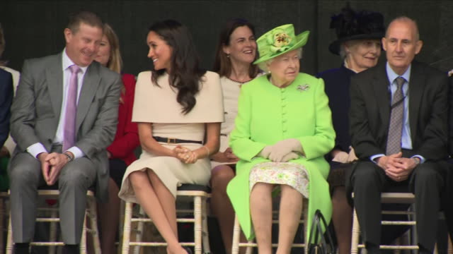 exterior shots of the queen and meghan duchess of sussex watching a drama performance by school children whilst touring cheshire on 14 june 2018 in... - chester cheshire stock-videos und b-roll-filmmaterial