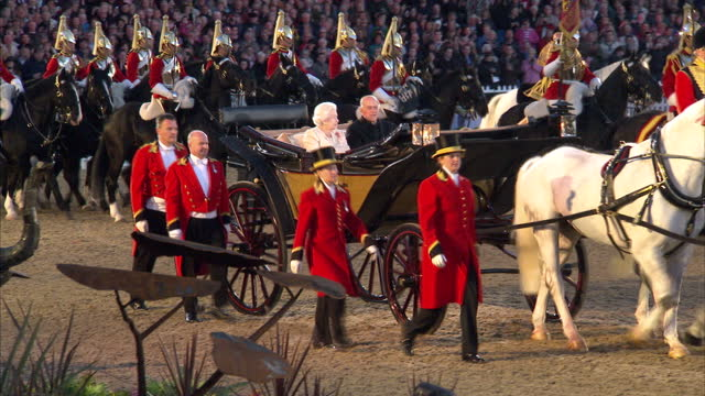 exterior shots of the queen and prince philip, duke of edinburgh arrive at the diamond jubilee pageant in the private grounds of windsor castle. the... - königin stock-videos und b-roll-filmmaterial