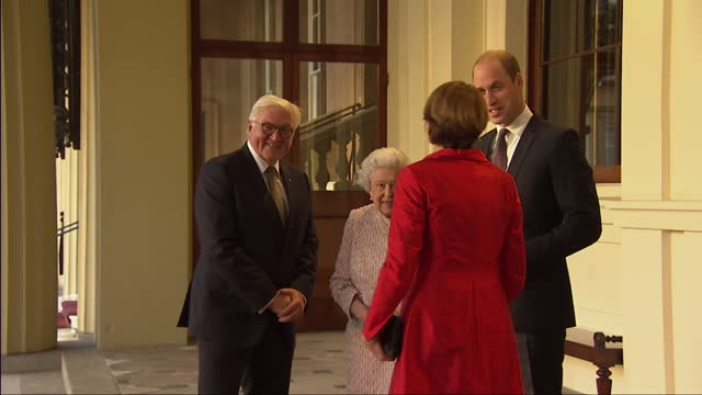 vídeos de stock, filmes e b-roll de exterior shots of the queen and prince william speaking with german president frankwalter steinmeier and his wife elke budenbender before they depart... - 2017