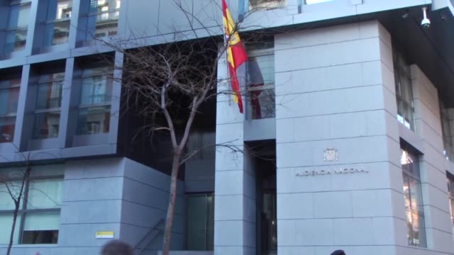 vídeos de stock e filmes b-roll de exterior shots of the spain's national court in madrid on february 01 2016 a spanish judge on may 13 2015 ordered barcelona football club to stand... - palácio de justiça