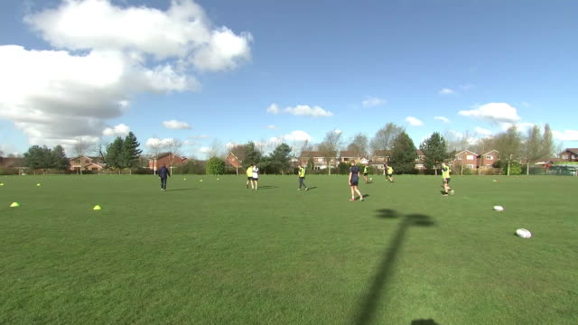 stockvideo's en b-roll-footage met exterior shots of the warrington wolves training at the university of chester, on the 20th march 2020. - chester engeland