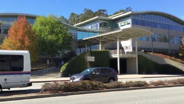 stockvideo's en b-roll-footage met exterior shots of the youtube headquarters - hoofdkantoor