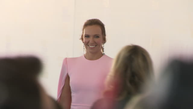 exterior shots of toni collette on the red carpet of the 2019 film independent spirit awards on 23rd february 2019 in santa monica, california - toni collette stock videos & royalty-free footage
