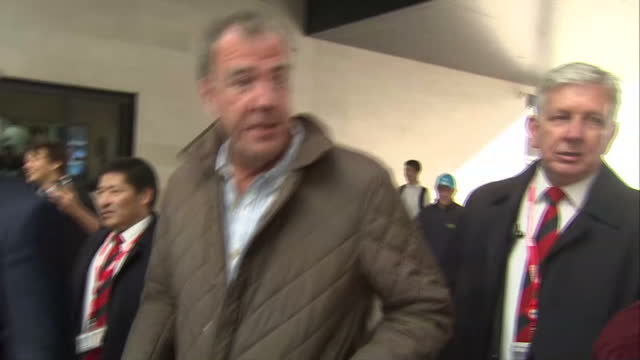 exterior shots of tv presenter jeremy clarkson walking through media scrum and ignore questions from journalists at bbc broadcasting house on may 21... - jeremy clarkson stock-videos und b-roll-filmmaterial