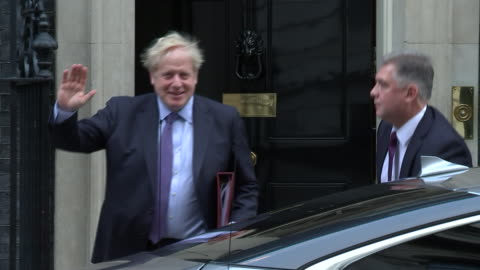 stockvideo's en b-roll-footage met exterior shots of uk prime minister boris johnson departing from 10 downing street on 5th february 2020 in london, england. - boris johnson