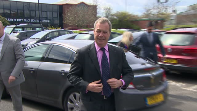 exterior shots of ukip leader nigel farage walking from car to a business in hartlepool on april 28 2015 in hartlepool england - イングランド カウンティ・ダラム点の映像素材/bロール