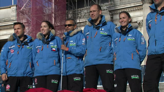 vídeos y material grabado en eventos de stock de exterior shots of walking with the wounded team usa therese frentz mark wise margaux mange and ivan castro inge solheim ed parker posing for photo... - aquitania