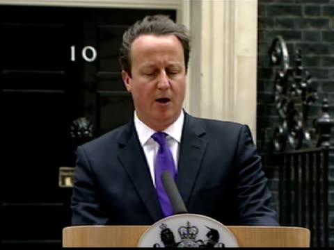 exterior shots prime minister david cameron press conference at number 10 downing street about the murder of lee rigby mr cameron praises the police... - lee rigby stock videos & royalty-free footage