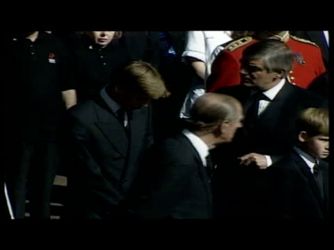 exterior shots prince charles prince william prince harry prince philip earl spencer following princess diana's cortege - principe persona nobile video stock e b–roll
