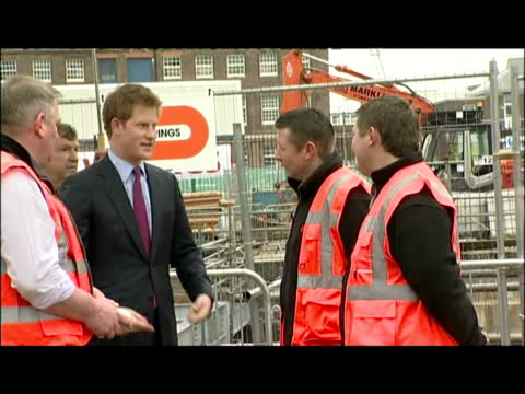 vídeos de stock e filmes b-roll de exterior shots prince harry takes part in the foundation stone ceremony for the new mary rose museum prince harry in portsmouth at hm naval base on... - 50 segundos ou mais