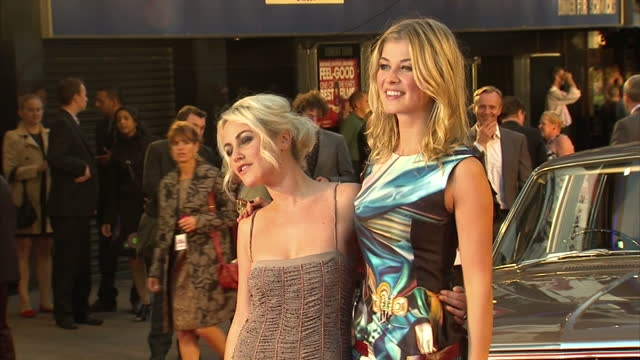exterior shots rosamund pike jaime winstone pose for the press exterior shots jaime winstone poses for photocall at the made in dagenham premiere... - rosamund pike stock videos & royalty-free footage