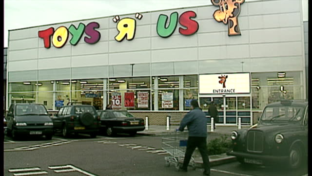 exterior shots shoppers entering toys r us store. on december 13, 1996 in london, england. - toys r us stock videos & royalty-free footage