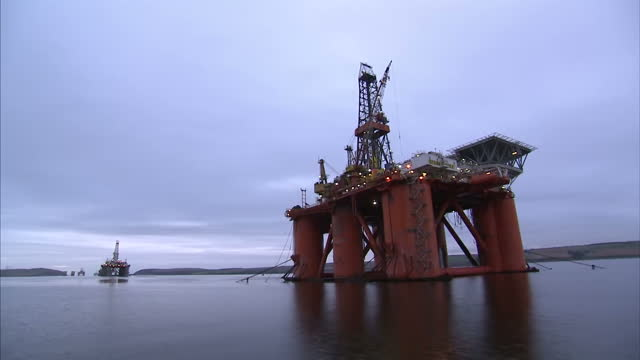 exterior shots the west phoenix oil drilling rig anchored in the cromarty firth on january 28 2016 in cromarty scotland - oil exploration platform stock videos & royalty-free footage