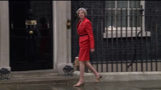 exterior shots theresa may arrives at 10 downing street on may 08 2015 in london england - downing street video stock e b–roll