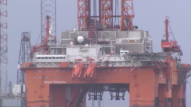 exterior shots west phoenix oil drilling rig anchored in the cromarty firth on january 28 2016 in cromarty scotland - oil exploration platform stock videos & royalty-free footage