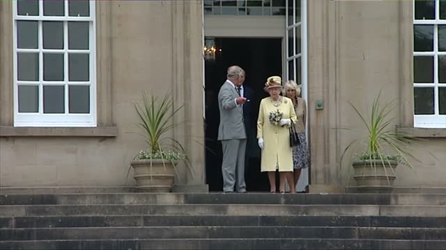 stockvideo's en b-roll-footage met exterior showing prince charles prince of wales queen elizabeth prince philip duke of edinburgh and camilla duchess of cornwall all leave dumfries... - dumfries en galloway