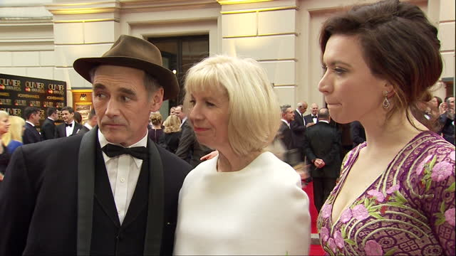exterior soundbite with actor mark rylance speaking about how more actors are crossing between film television and theatre roles and how each medium... - mark rylance stock-videos und b-roll-filmmaterial