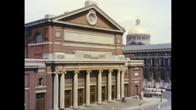 ws exterior symphony hall, boston, massachusetts, united states - 新古典派点の映像素材/bロール