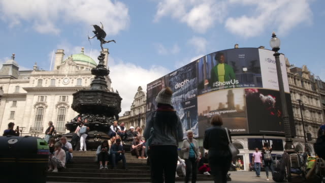 vídeos y material grabado en eventos de stock de exterior time lapse of piccadilly circus lights on june 24 2019 london england - piccadilly circus