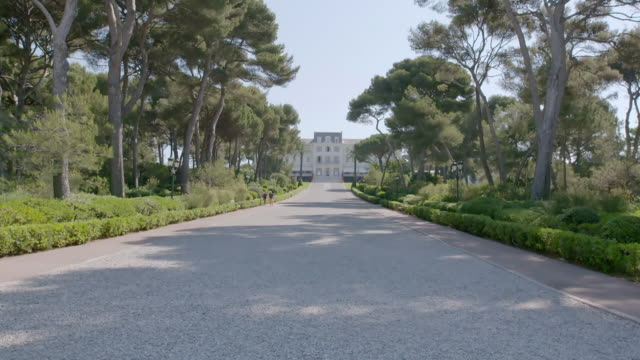 WS TD Exterior view of Hotel du Cap / Antibes, France
