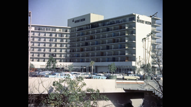 exterior view of the beverly hilton hotel, beverly hills, california, usa - the beverly hilton hotel点の映像素材/bロール