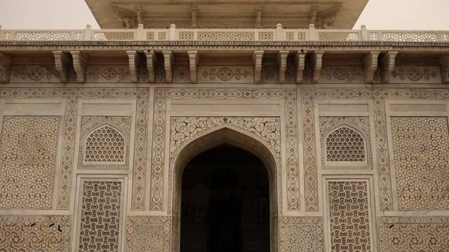 exterior views of mughal-era mausoleum, india - octagon stock videos & royalty-free footage