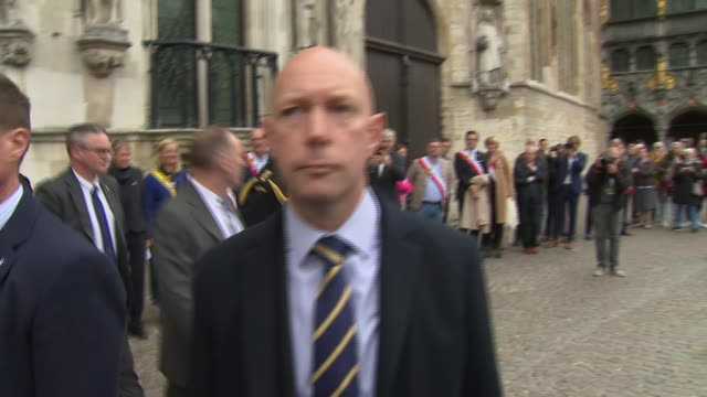 clean exterior views of prince andrew leaving the city hall and getting into a car on 7 september 2019 in bruge belgium - ヨーク公 アンドルー王子点の映像素材/bロール
