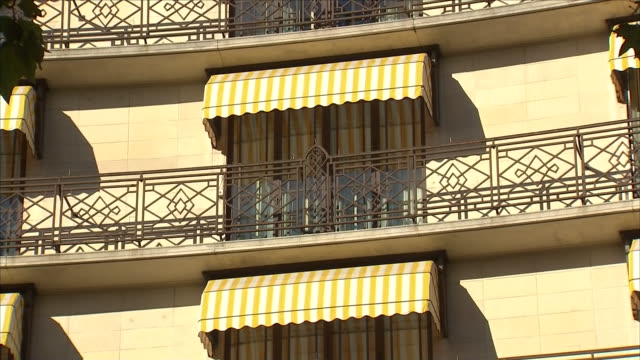 exterior views of the dorchester hotel in park lane, mayfair, a popular hangout of sir phillp green, including sign and pans down the balconies and... - dorchester hotel stock videos & royalty-free footage