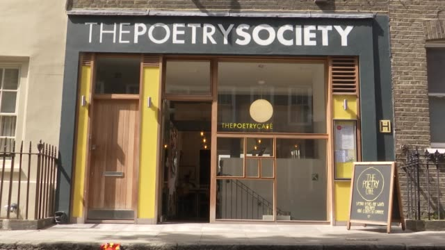 exterior views of the the poetry society which also houses the poetry cafe in covent garden including signage and whats on board on 10 may 2019 in... - 詩点の映像素材/bロール