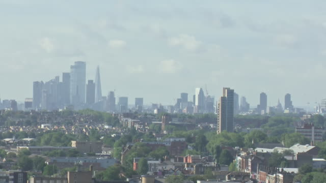 exterior wide shots of the london skyline from the top of the tottenham hotspur stadium on the 21st of august 2020. - torschuss stock-videos und b-roll-filmmaterial