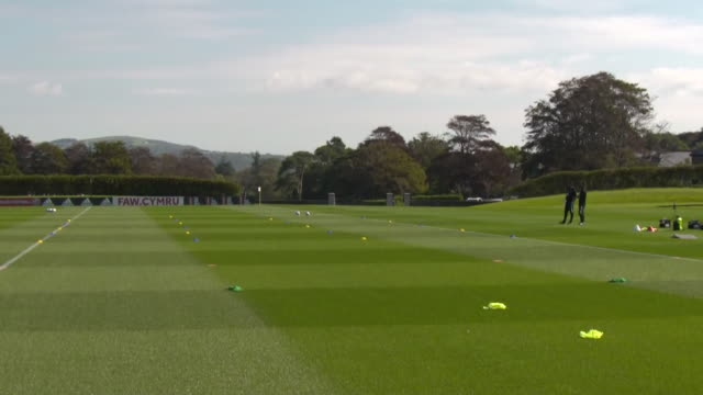 exterior wide shots of the wales national team training for their uefa nations league matches. this footage was taken at the vale resort, cardiff on... - torschuss stock-videos und b-roll-filmmaterial