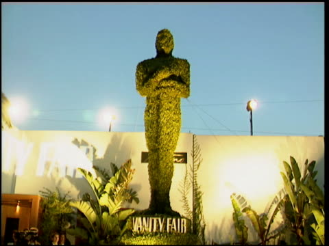 exteriors at the 1996 academy awards vanity fair party at morton's in west hollywood california on march 25 1996 - 68th annual academy awards stock videos and b-roll footage