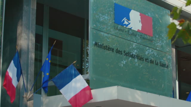 exteriors ministry of social affairs and health, france - identity politics stock videos & royalty-free footage