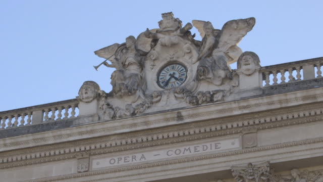 exteriors montpellier national opera building - モンペリエ点の映像素材/bロール