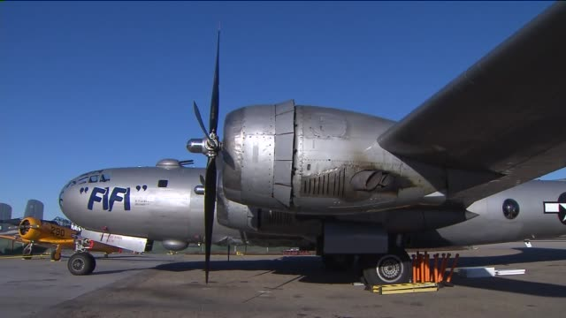 vídeos y material grabado en eventos de stock de exteriors of b-29 superfortress named fifi at camarillo airport on march 4th, 2015. fifi was acquired by the caf in the early 1970s when a group of... - avión militar