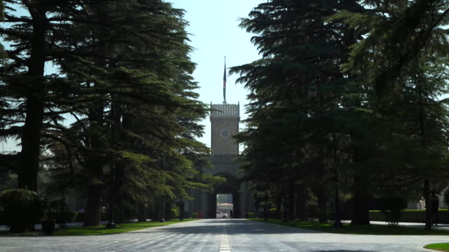 exteriors of the afghan presidential palace in kabul - kabul stock-videos und b-roll-filmmaterial