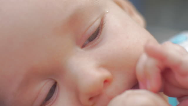 vídeos de stock, filmes e b-roll de extreme baby close up - só bebês meninos