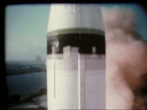 vídeos de stock e filmes b-roll de extreme close up of rocket blasting off - 1969