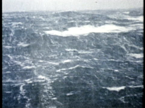 1975 MS Extremely choppy ocean with heavy rainfall / United States / AUDIO